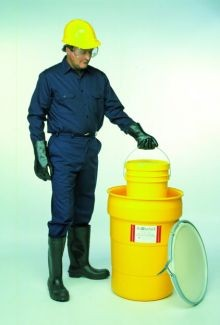 30 Gallon Ultratech Plastic Salvage Drum