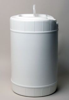 6 Gallon Round Closed-Head Plastic Pail - White