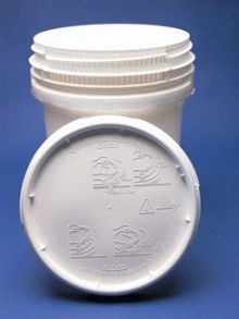 10.7 Gallon Screw-Top Plastic Pail